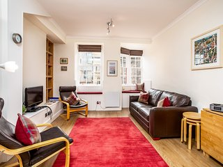 Lawnmarket Apartment, Edinburgh - Outstanding! Perfect location!