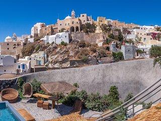 Rock Villas, Villa Complex | Castle view, 2 Jacuzzis, 240 sq.m, Up to 11 guests