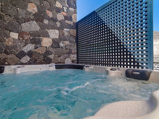Rock Villas, Villa Myth | Bioclimatic Villa, Jacuzzi, 110 sq.m, Up to 6 guests