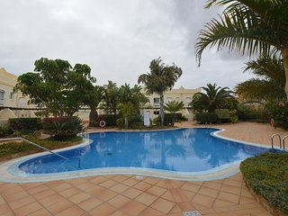 Roof Terrrace / Four Poster Bed / Holiday Villa in Corralejo with Shared Pools