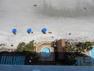 1206 Waters Edge Resort
