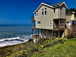 Incredible Ocean View guest house Oceanfront!