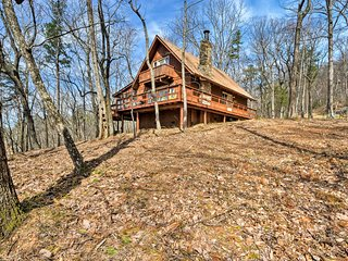 NEW! Mtn Cabin w/Hot Tub by Hiking, Fishing, Golf!