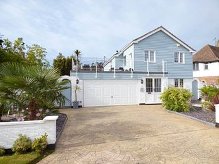 Detached house,Craigweil on sea private marine estate nr Chichester & Goodwood