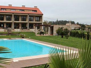 Ref. 12029 Lujoso apartamento en finca con piscina en O Grove