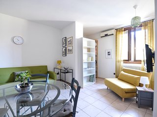 Cozy and modern one bedroom apartment in Bologna