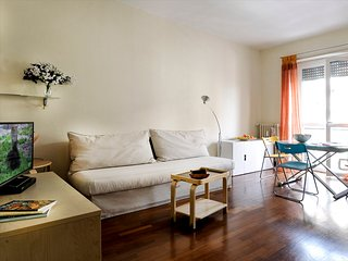 Bright and modern one bedroom apartment in Milan