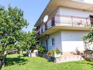 Three bedroom apartment Vrsine (Trogir) (A-16733-a)