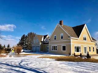 Secluded waterview farmhouse, close to Charlottetown and beaches