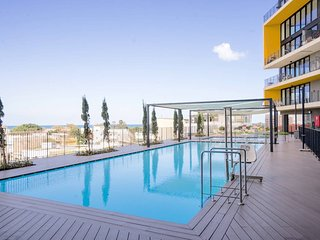 Luxury Beach Apartment / Pool, Gym and Parking