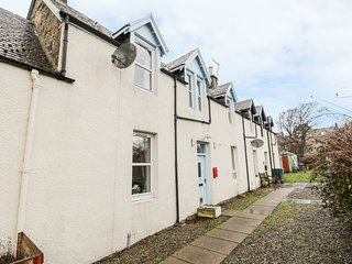 CHURCH VIEW, enclosed garden, WiFi, Kingussie