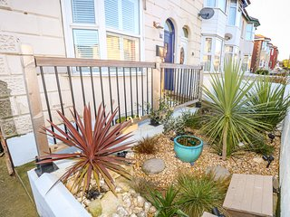 WHITE HAVEN, Two bedrooms, Near beach, Open-plan living, Sandown