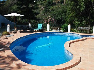 Beautiful chalet with swimming-pool