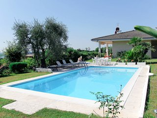 3 bedroom Villa with Pool and WiFi - 5651096