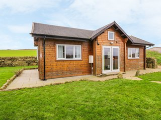 BORAH LODGE, Hot tub, Pet-friendly, Country views, St Buryan
