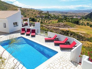 3 bedroom Villa with Pool, Air Con and WiFi - 5775926