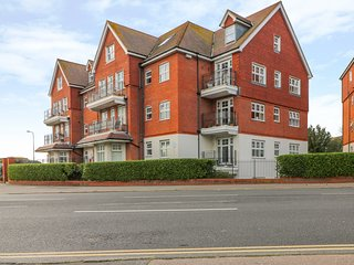 BAIRD COURT, open-plan, WiFi, Bexhill-on-Sea