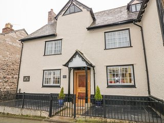 CLWYD BANK, historic property, central location, in Ruthin