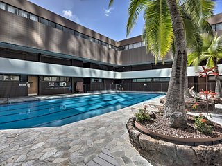 Downtown Honolulu Suite-Near Ala Moana Beach!