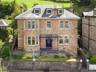 BRUAN, open fire, sea views, sun room, Rothesay