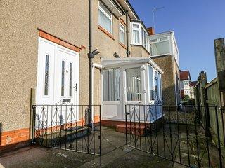SOUTHPOINT, Woodburner, En-suites bedrooms, Sea views, Bridlington