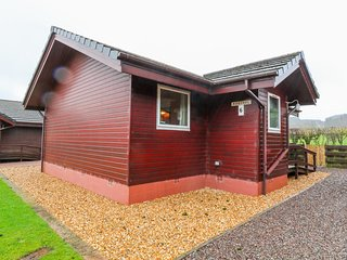 KESTREL LODGE, Off-road parking, Pet-friendly, Dumfries