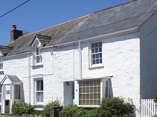 CAMELOT COTTAGE, pet-friendly, WiFi, near Port Isaac