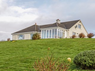 HEATHER HEIGHTS, rural location, en-suite, near Kilcar