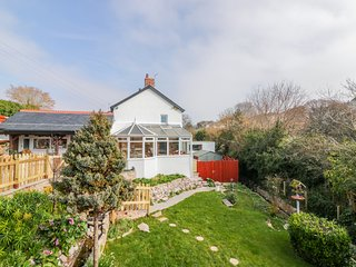 BABBLE BROOK HOUSE AND VILLA, WiFi, landscaped garden, Torquay