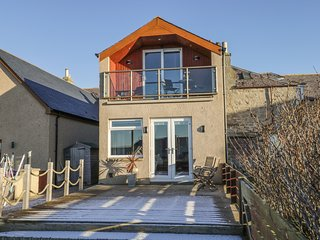 CARONA, sea views, pet-friendly in Lossiemouth