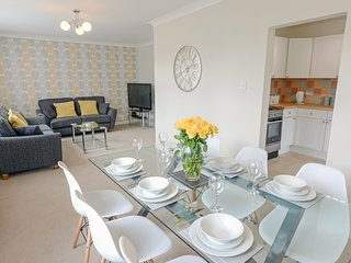 BAY VIEW, WiFi, All ground floor, Open-plan living, Manorbier