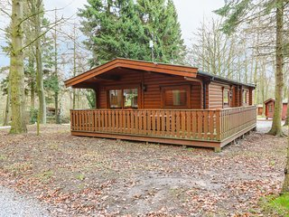 45 THE WOODS, woodland location, open-plan living, near Louth