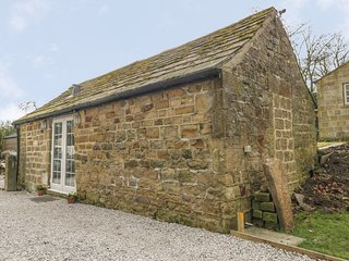 THOMPSONS COTTAGE, open-plan, WiFi, near Ripon