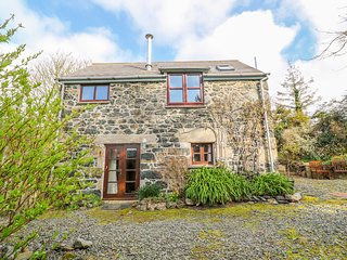 HIGHER LAMPRA, 14 acres of grounds, wood burner, near Mullion
