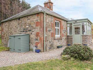 THE BOTHY, rural location, pet-friendly, in Kirriemuir