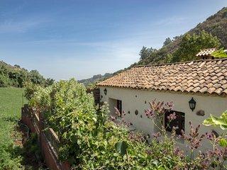Lightbooking- 'El Laurel' casa rural
