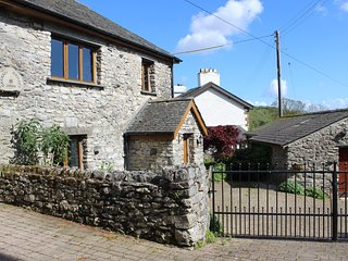 The Hayloft - Luxury Barn Cartmel & Grange over Sands Sleeps 7