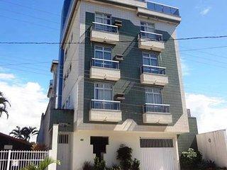 Agradável apartamento perto da Praia de Meaipe - com ar condicionado