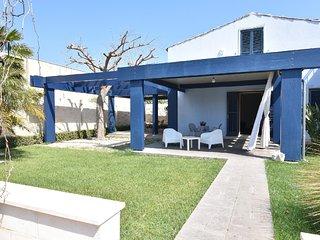 Luxury Villa - Splendida Villa a 500 metri dal centro, spiaggia e lungomare