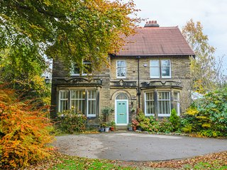 LYNDHURST, large detached property, woodburner, in Brighouse
