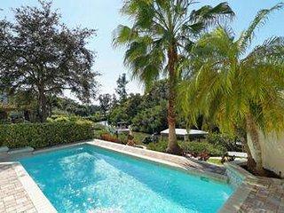 Grosse Pool Villa am Wasser mit herllichem Ausblick 5 Min. von Siesta Key