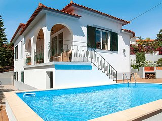 3 bedroom Villa with Pool, Air Con and WiFi - 5782410