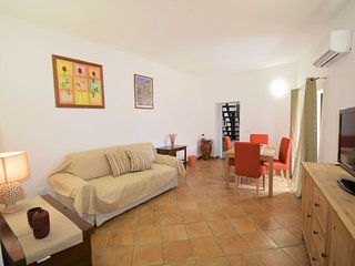 1 bedroom Villa with Air Con, WiFi and Walk to Shops - 5782401