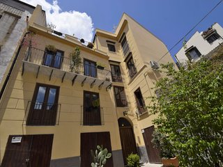 1 bedroom Apartment with Air Con, WiFi and Walk to Shops - 5787549