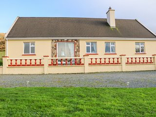 UPPER HAVEN, WiFi, dog friendly, Castletownbere