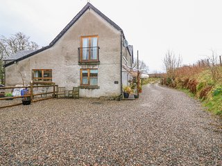 DRIMNATORRAN FARM LODGE, pet-friendly, WiFi, near Strontian