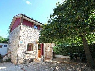 Dario casa vacanza istriana in pietra vicino al mare Wi-Fi  giardino parcheggio