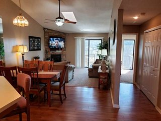 Great Top-Floor Condo at the Gated Golf Course Community-POINTE ROYALE!!!  Flat