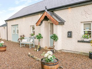 LYNCHPIN COTTAGE, WiFi, Pet-friendly, Country views, Bruff