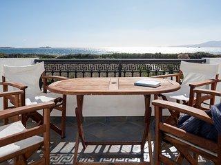 Depis beachfront villas plaka naxos/Maisonette villa with sea view